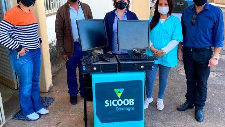 Sicoob Crediagro faz Doação de computadores